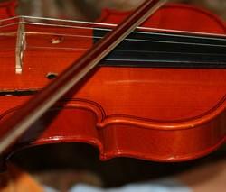 Musik für die Hochzeit: z.B. mit Geigen