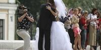Hochzeitsfotos und Hochzeitsvideos vom Brautpaar.