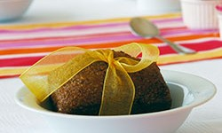 Kunstvoll verpacktes Dessert.