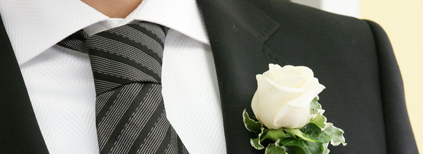 Bräutigam-Accessoires: eine Blume